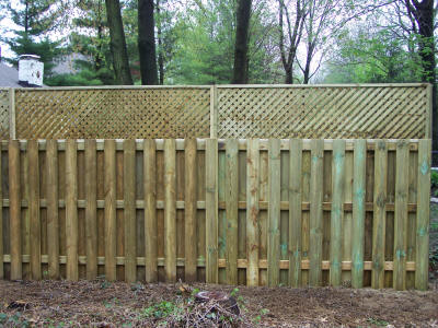 Shadow Box Fence with Lattice Top http://www.topchoicefence.com/custom%20wood%20styles.htm